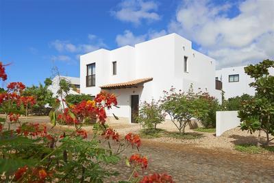 Luxusní vila v resortu v první řadě u moře, ostrov Sal, Kapverdy