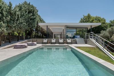 Vila ve stylu moderního funkcionalismu blízko centra, Kréta, Řecko