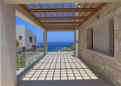 Krásná kamenná vila s výhledem na moře, Kréta, Řecko