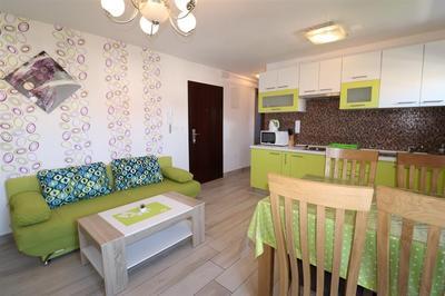 Pěkně zařízený apartmán blízko moře i pláže, Vodice, Chorvatsko
